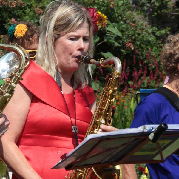 Saskia tenor saxofoon
